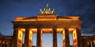 The Brandenburg Gate is a former city gate and one of the main symbols of Berlin and of Germany - travel - Berlin