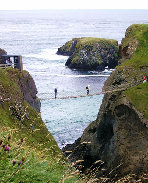 Carrick-a-rede rope bridge - Northern Ireland