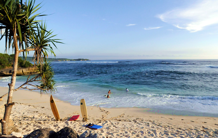 Dream Beach - Nusa Lembongan - Bali | Australian Travel and Activity Community - Go For Fun