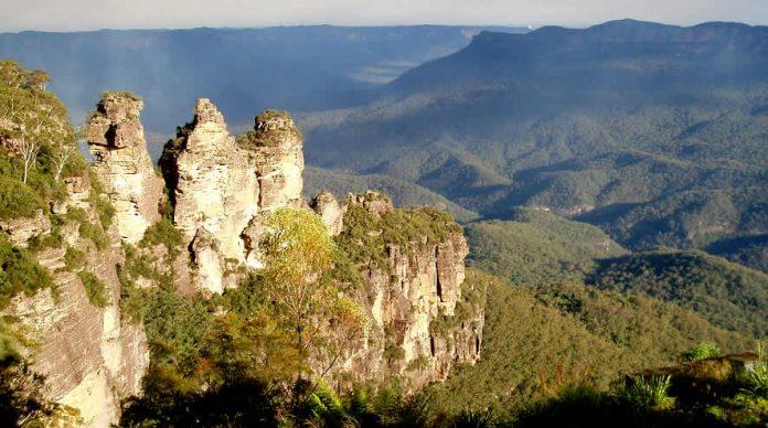 Echo Point. Three Sisters. Blue Mountains - Australia travel - NSW