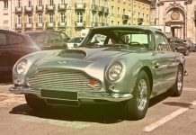 Gold Coast - James Bond style - Aston Martin
