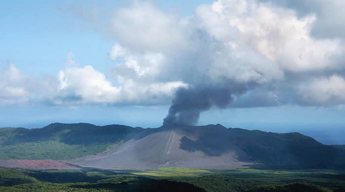 Mount Yasur Volcano, Vanuatu | Australian Travel and Activity Community - Go For Fun
