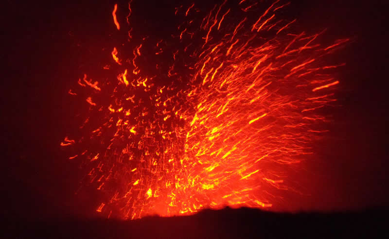 Mount Yasur Volcano Eruption, Vanuatu | Australian Travel and Activity Community - Go For Fun