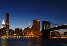 New York skyline - Manhattan - Brooklyn Bridge - Freedom Tower - at night