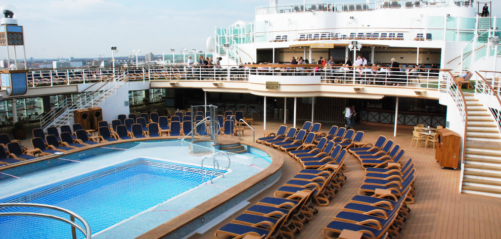 PnO Cruises Azura - cruise ship deck entertainment - pool - relax cafe - Travel from and to Australia - Cruise