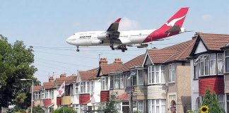 Qantas airplane landing - Myrtle Avenue near Heathrow airport - Australians Travelling - London Heathrow