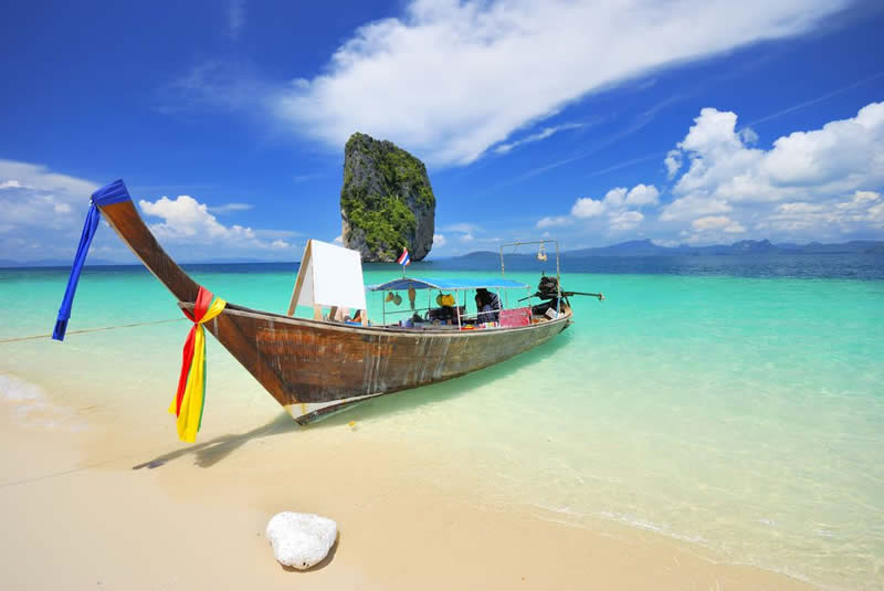 Thailand - Beach - Asia travel - Thai boat in south of Thailand | Australian Travel & Photography Inspiration - Go For Fun