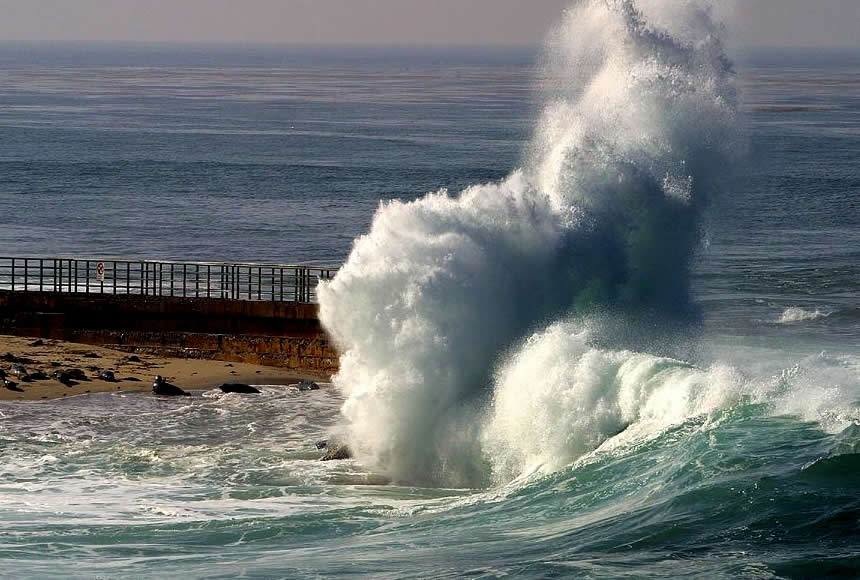 Waves, La Jolla | Australian Travel and Activity Community - Go For Fun