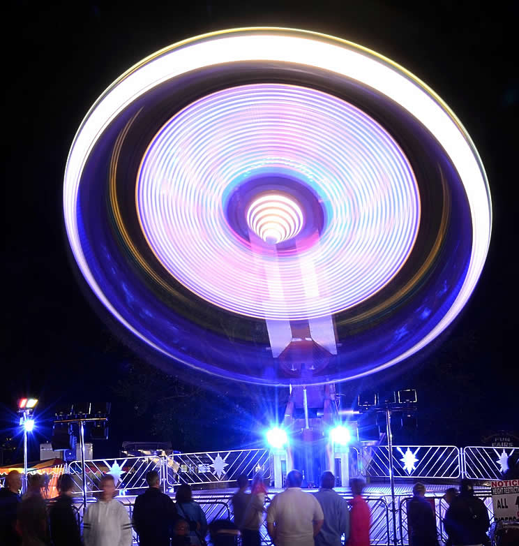 fairground at night - light trail - long exposure | Go For Fun - Australian Travel and Photography Community