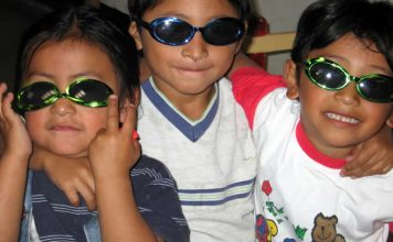 Kids in sunglasses - sun protection