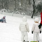 Travel with kids: winter activities in snow